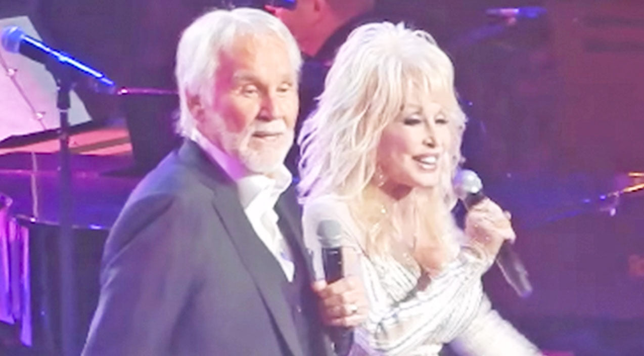 Kenny rogers Songs | One Last Time: Kenny Rogers And Dolly Parton Perform 'Islands In The Stream' At Farewell Concert | Country Music Videos