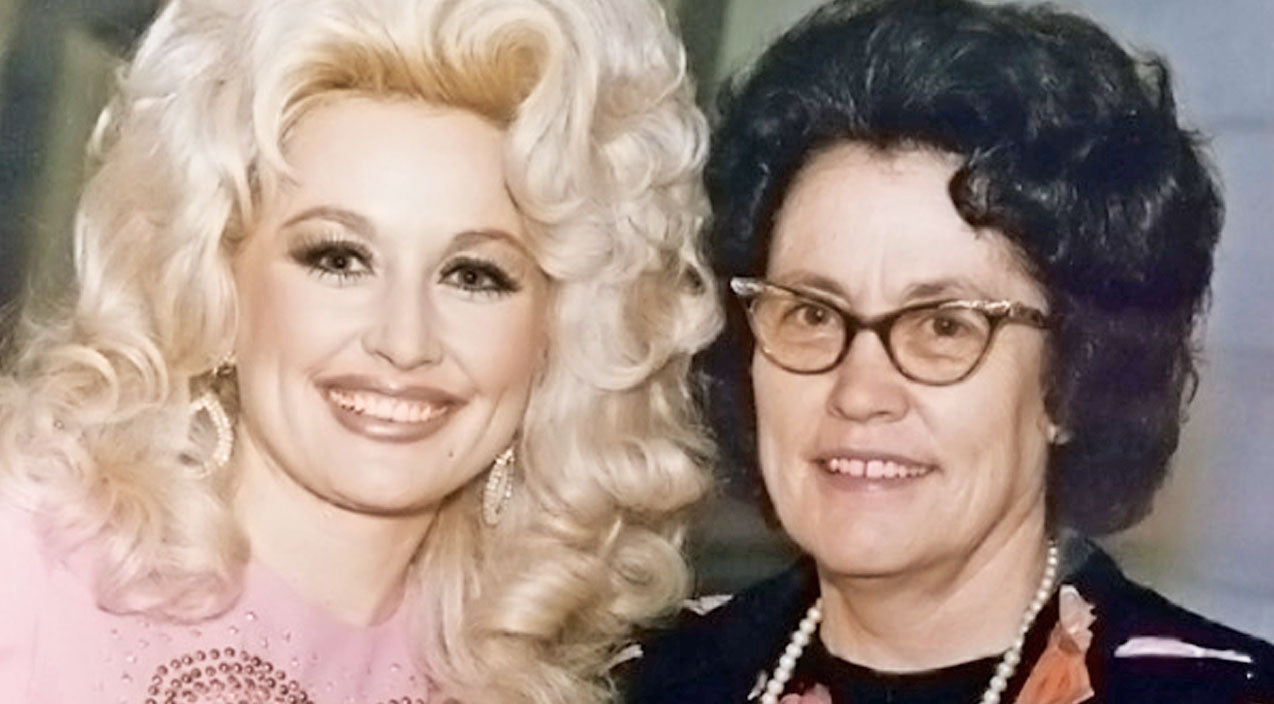 Dolly parton Songs | Dolly Parton Pays Tribute To Her Mother Who Passed Away | Country Music Videos
