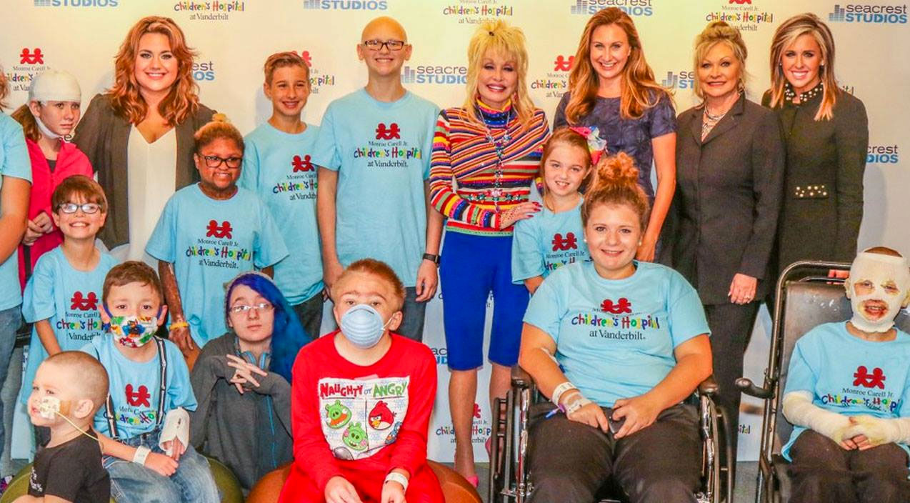 Dolly parton Songs | Dolly Parton Donates $1 Million To Children's Hospital In Honor Of Her Niece | Country Music Videos