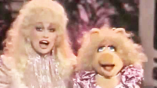 Dolly parton Songs | Dolly Parton and Miss Piggy (Miss Piggy Goes Country) (VIDEO) | Country Music Videos