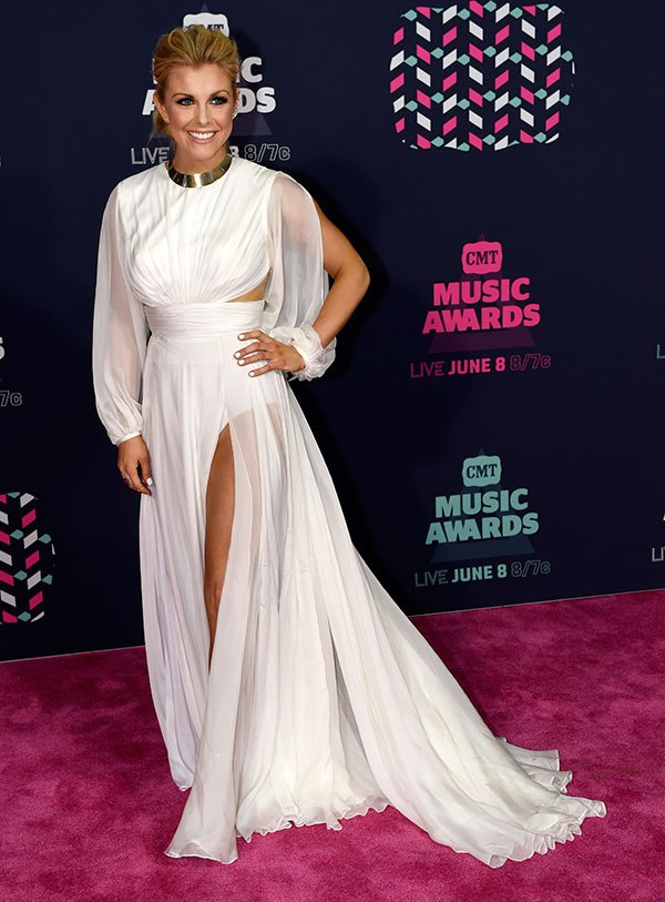 The 7 Best-Dressed Superstars At The 2016 CMT Awards (6/7) | Country Music Videos