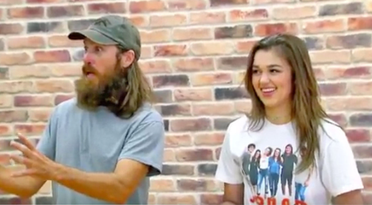 Sadie robertson Songs | Sadie Robertson Teaches Her Family How To Dance, And It's Hysterical | Country Music Videos