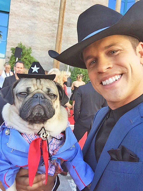 10 Times Dustin Lynch Was Irresistibly Adorable (4/10) | Country Music Videos