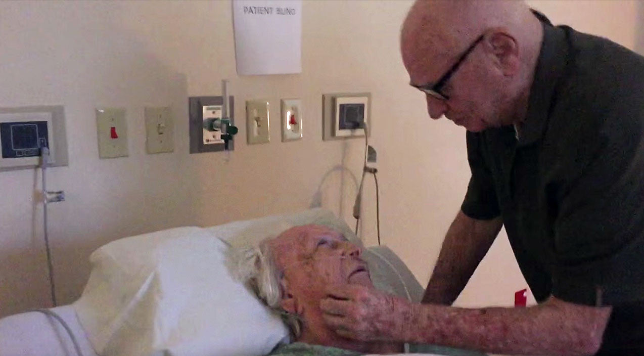 Willie nelson Songs | 92-Year-Old WWII Veteran Will Have You In Tears As He Beautifully Serenades His Dying Wife | Country Music Videos