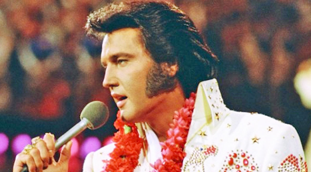 Elvis presley Songs | Elvis Presley Stops Mid-Concert, And The Reason Why Will Make You Love Him Even More | Country Music Videos