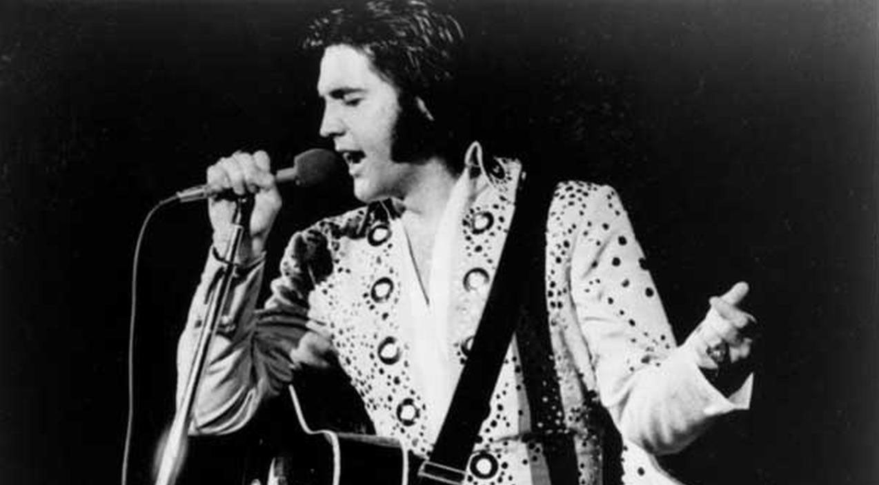 Elvis presley Songs | In A Heartbreaking Performance, Elvis Presley Sings 'Moody Blue' For The Last Time | Country Music Videos