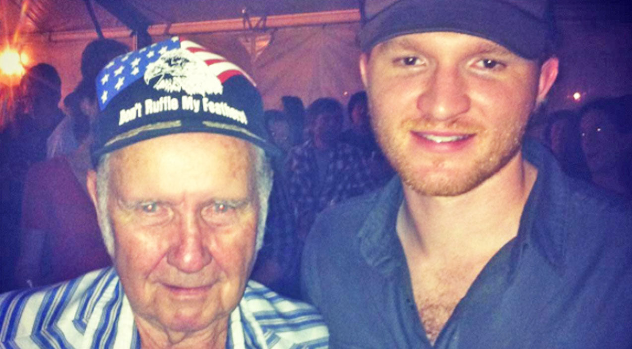 Willie nelson Songs | Country Singer Reveals Death In The Family With Heartbreaking Post | Country Music Videos