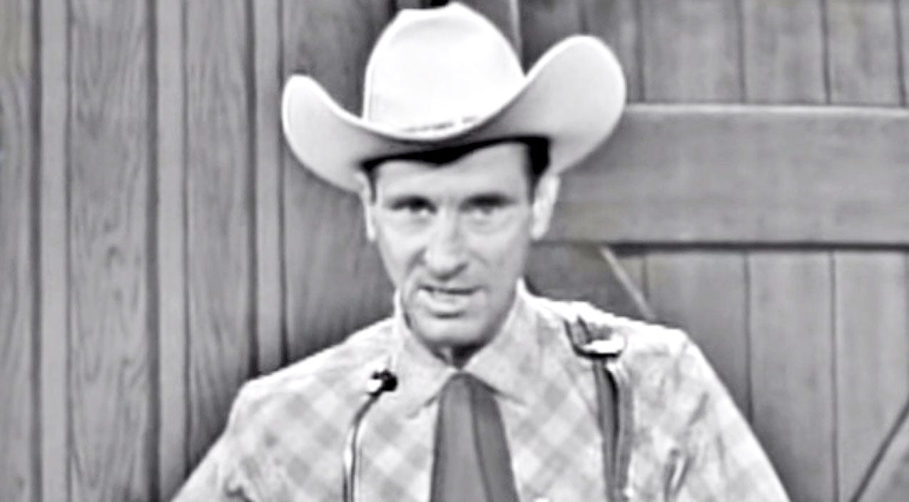 Ernest tubb Songs | Country Pioneer Ernest Tubb Brings Honky Tonk To Life With 'Walking The Floor Over You' | Country Music Videos