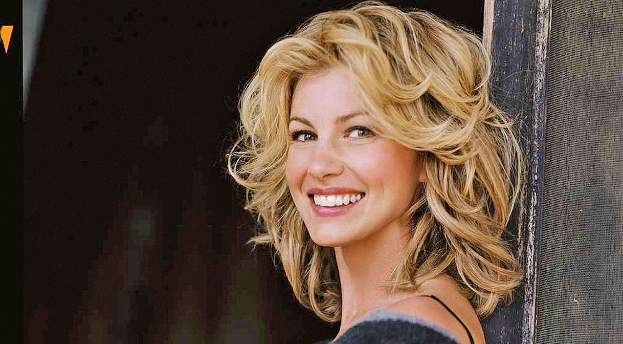 Faith Hill Receives Huge Honor In Her Hometown | Country Music Videos