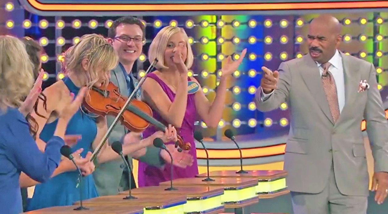 Steve harvey Songs | Woman Plays Classic Country Hit On Family Feud. Steve Harvey's Reaction? Priceless | Country Music Videos