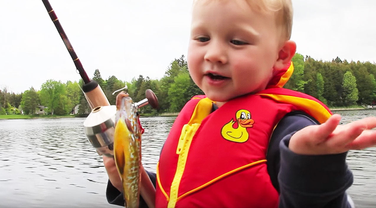 Viral content Songs | Little Boy's Reaction To Catching First Fish Will Have You Rolling With Laughter | Country Music Videos