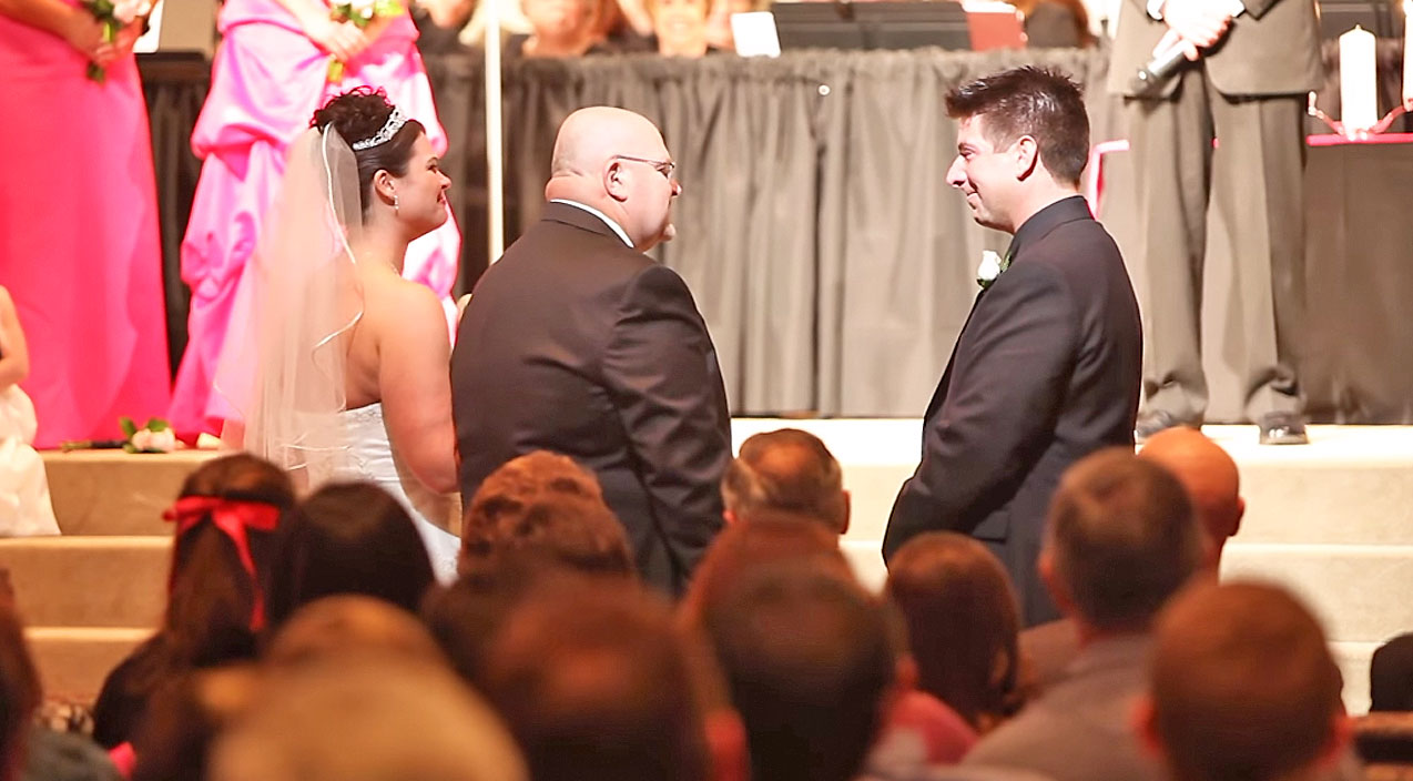 Father Of The Bride Makes Groom Cry In Touching, Yet Hilarious Speech! (WATCH) | Country Music Videos