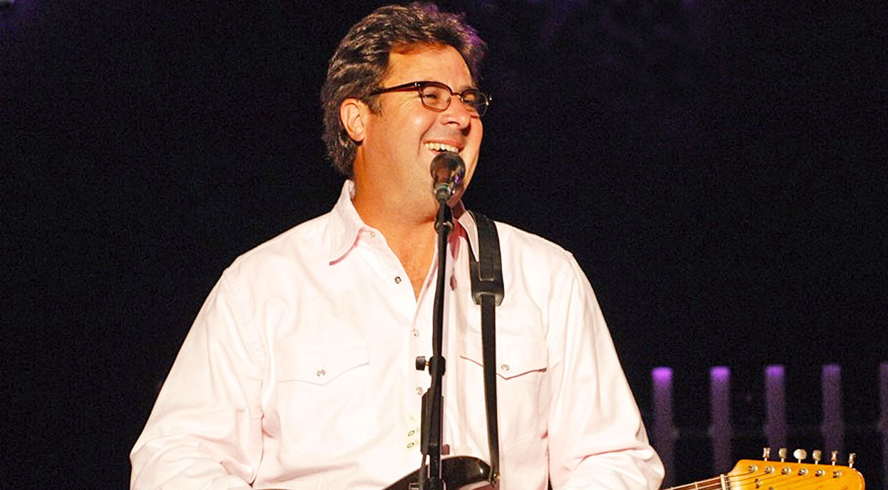 Vince gill Songs | Vince Gill Leaves Crowd In Stitches With Humorous Performance Of 'Hard to Kiss The Lips At Night' | Country Music Videos