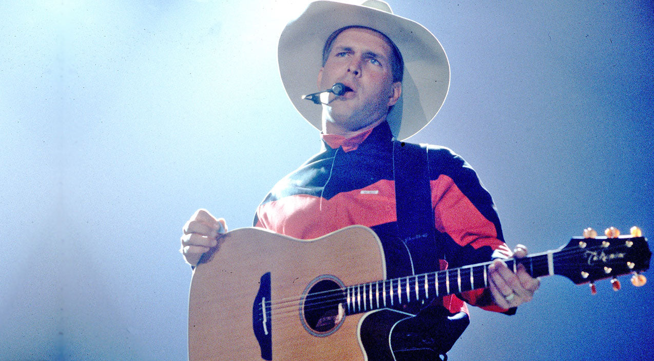 Garth brooks Songs | Garth Brooks Captivates The Crowd With His Timeless Classic 'Friends In Low Places' | Country Music Videos