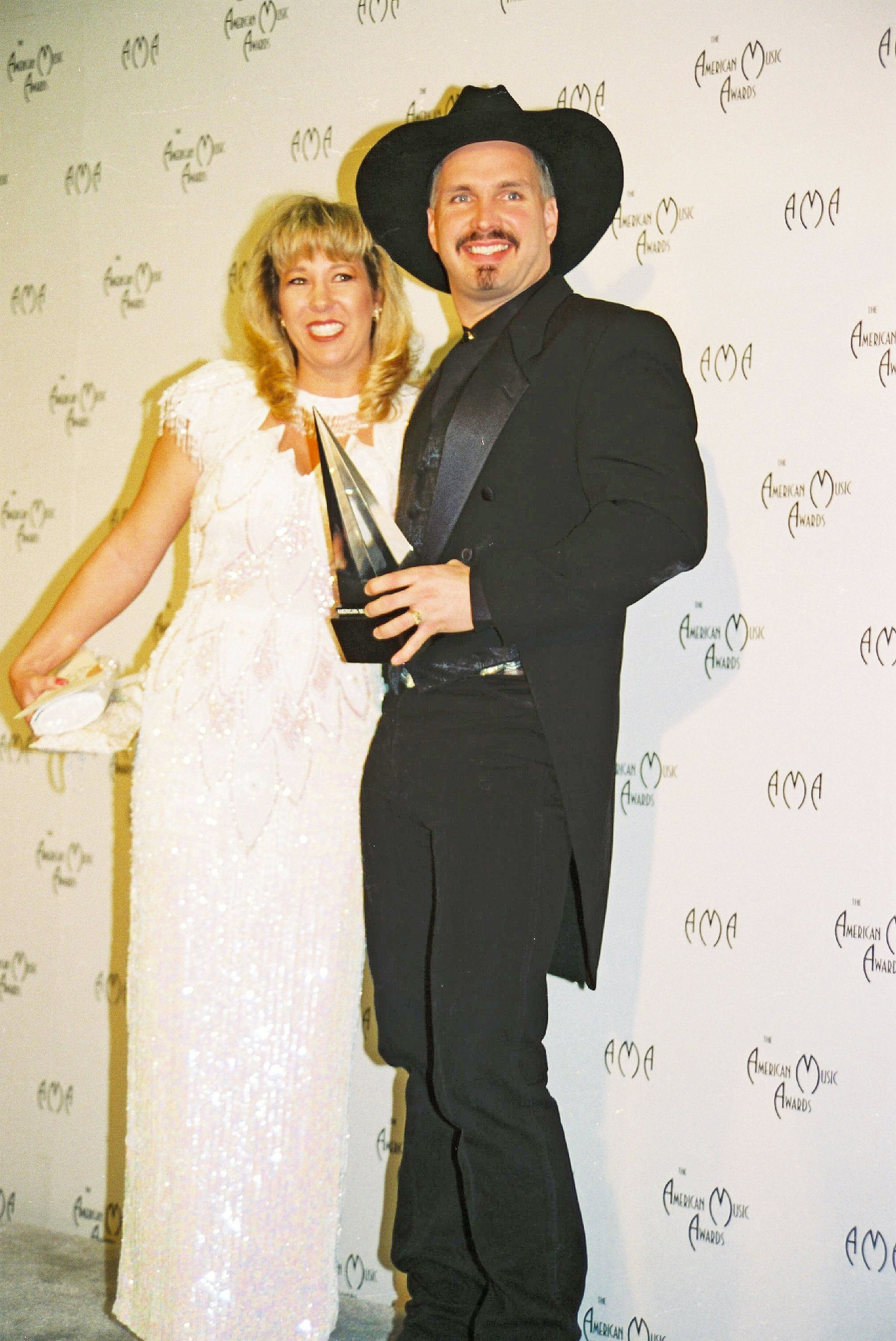 11. Garth Brooks and Sandy Mahl | Country Music Videos