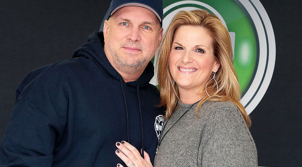 Trisha yearwood Songs | Garth & Trisha Unveil Emotional Motive Behind New Christmas Album | Country Music Videos