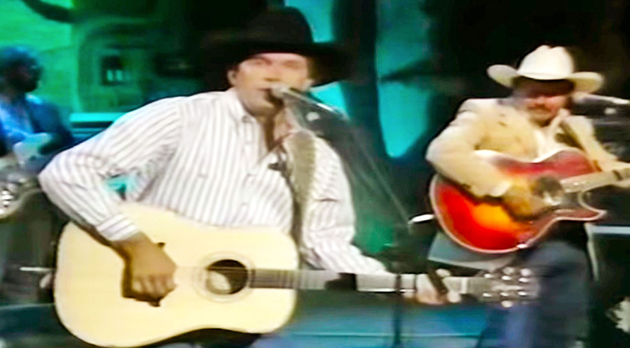 George strait Songs | Flashback: George Strait Is King Of The Charts With 'Does Fort Worth Ever Cross Your Mind' | Country Music Videos