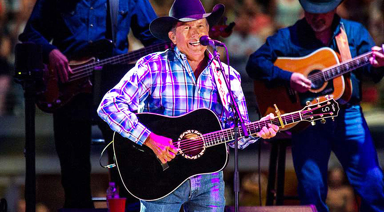 George strait Songs | George Strait Electrifies Crowd With Killer Performance Of 'Unwound' | Country Music Videos