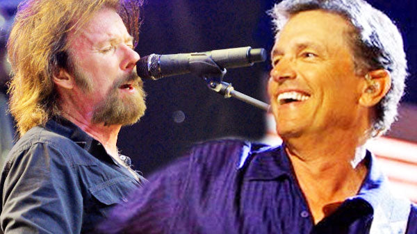 Ronnie dunn Songs | George Strait and Ronnie Dunn - You Look So Good In Love (Live) (VIDEO) | Country Music Videos