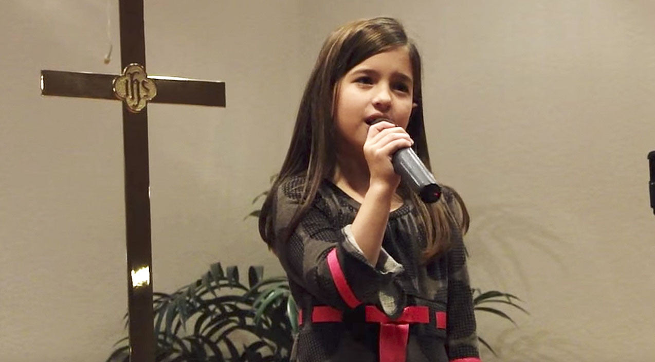 Viral content Songs | 7-Year-Old Leaves Church Speechless With Outstanding 'How Great Thou Art' | Country Music Videos