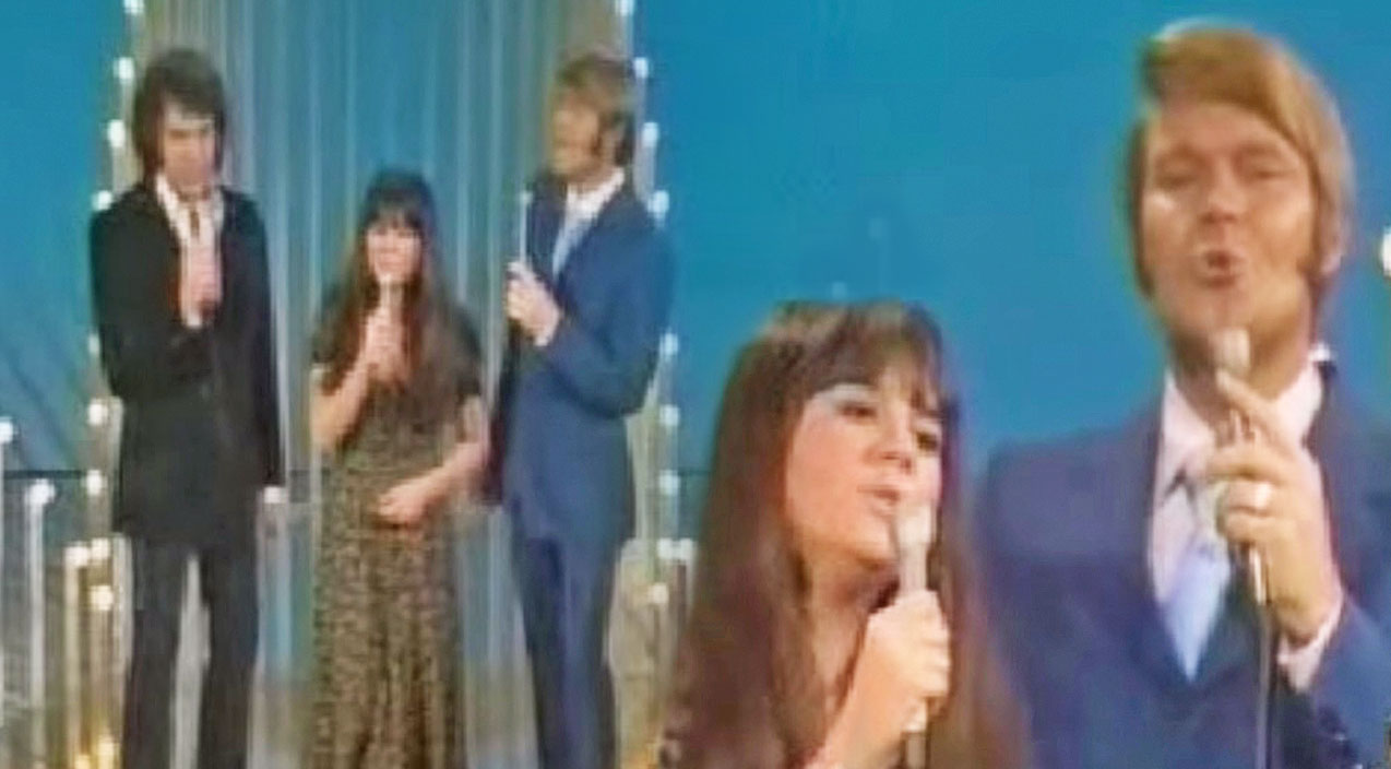 Neil diamond Songs | Remember When Glen Campbell Joined Linda Ronstadt & Neil Diamond For An OUTSTANDING Medley? | Country Music Videos