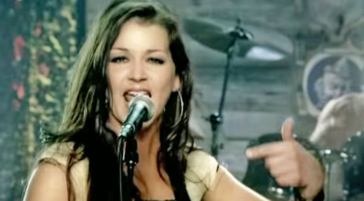 Gretchen wilson Songs | Gretchen Wilson's 'Redneck Woman' Is The Anthem Every Country Girl Needs | Country Music Videos