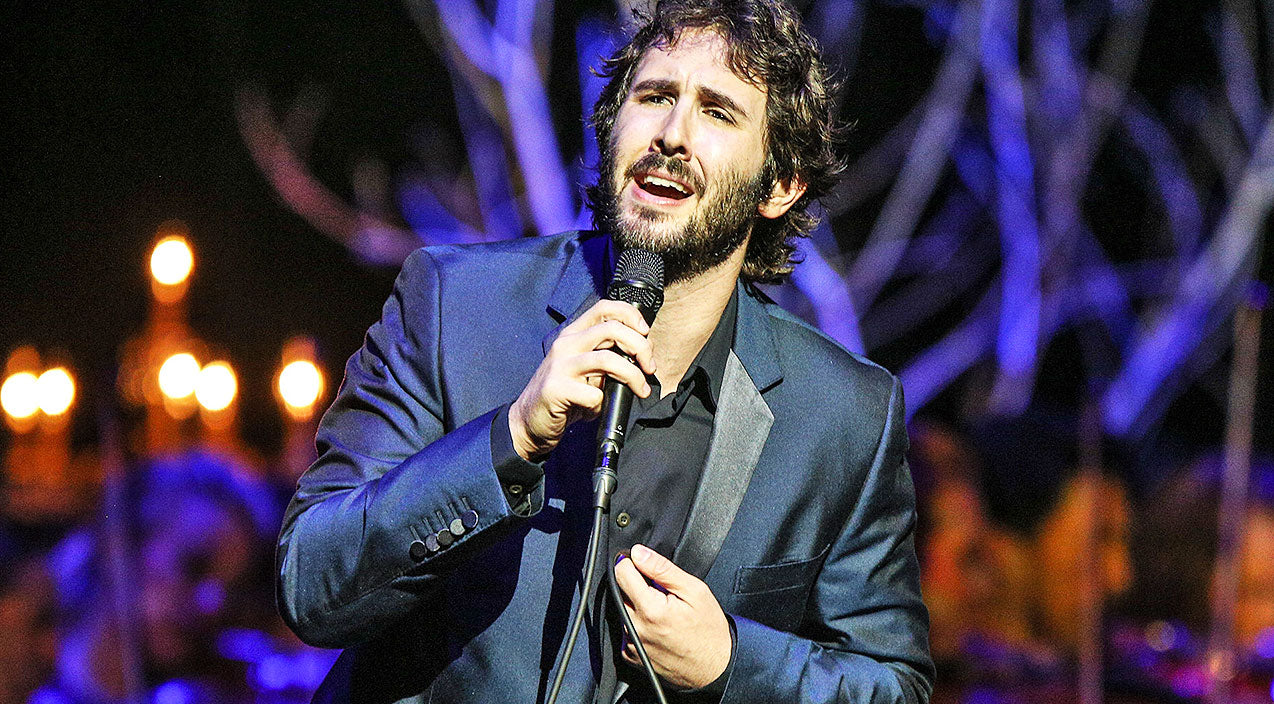 Josh groban Songs | Josh Groban Warms Our Souls With Effortless Delivery Of 'O Holy Night' | Country Music Videos