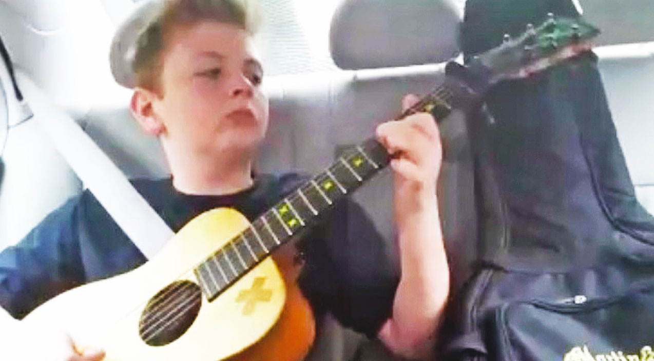 12-Year-Old Jams Out To Rockin' Version Of 'Mary Had A Little Lamb' On Guitar | Country Music Videos