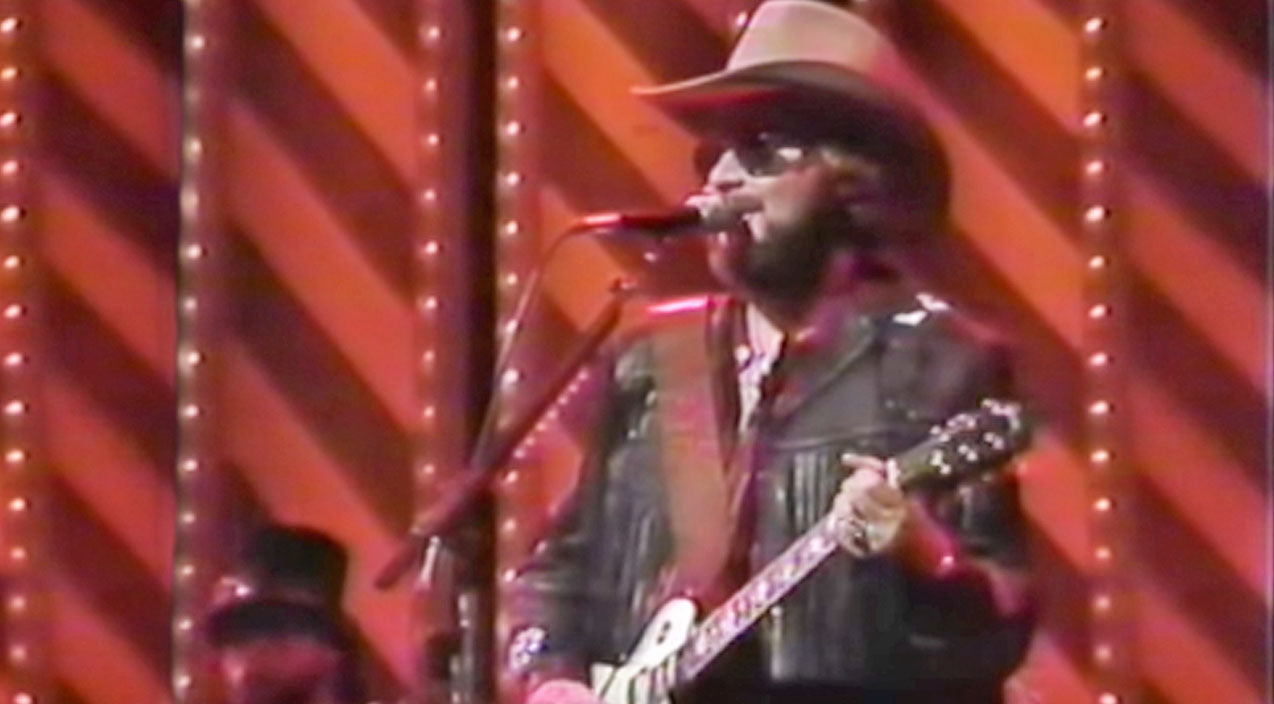 Hank williams jr. Songs | Hank Williams Jr. Calls Out Imposters In Bluesy Performance Of 'My Name Is Bocephus' | Country Music Videos