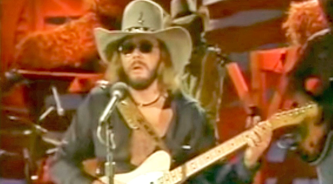 Hank williams jr. Songs | Anyone Who's Ever Had A Broken Heart Needs To Hear Hank Jr. Sing 'The Last Love Song' | Country Music Videos