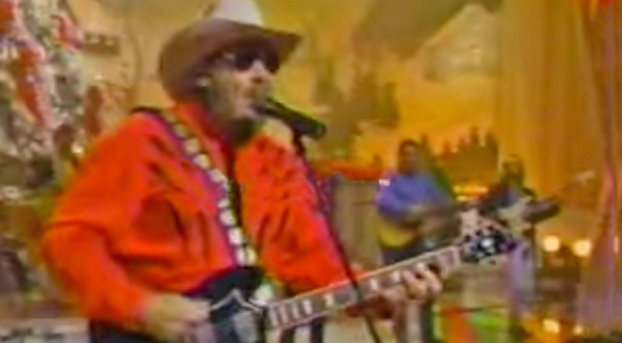 Hank williams jr. Songs | Christmas Hit Gets Turned Up A Notch In Rockin' Hank Williams Jr. Performance | Country Music Videos