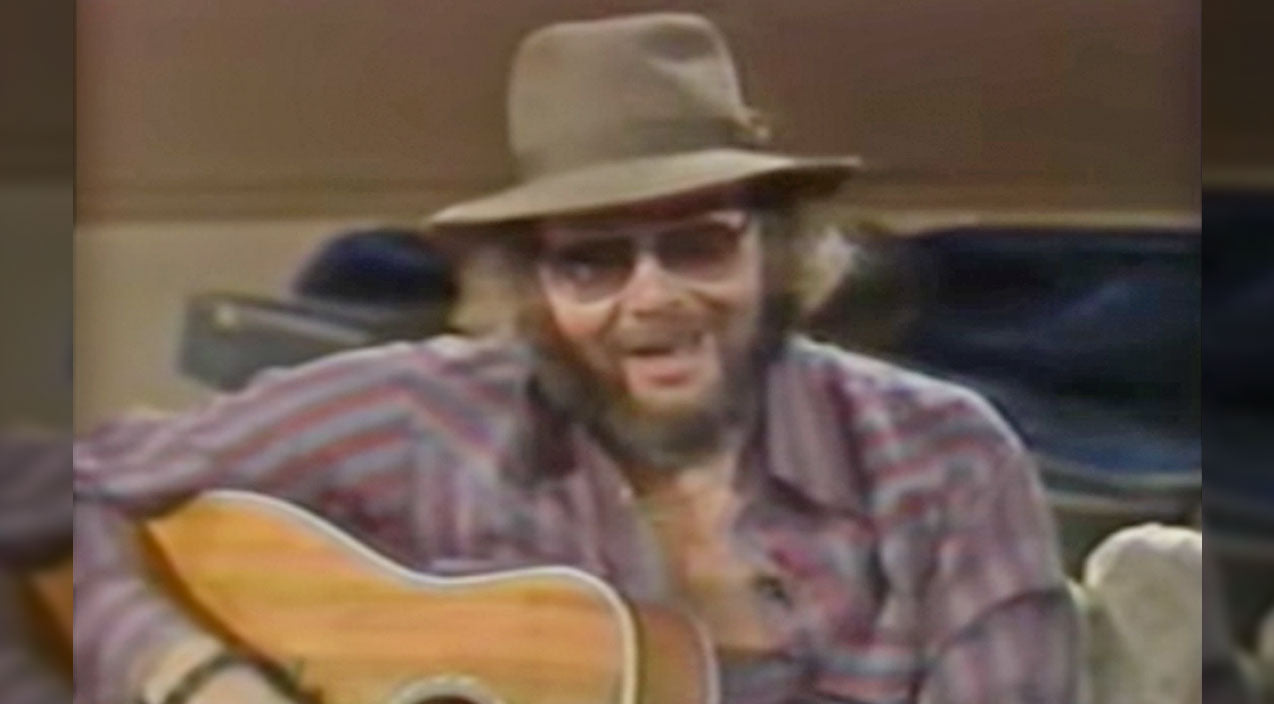 Hank williams jr. Songs   Hank Jr. Dedicates Intimate Performance Of 'All My Rowdy Friends' To Unsuspecting Guests   Country Music Videos