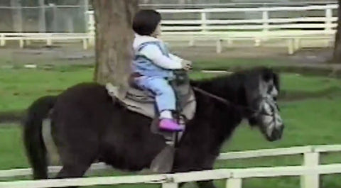 Tiny Girl Rides A Pony...But When The Pony Gets An Itch? I'M ROLLING!!! | Country Music Videos