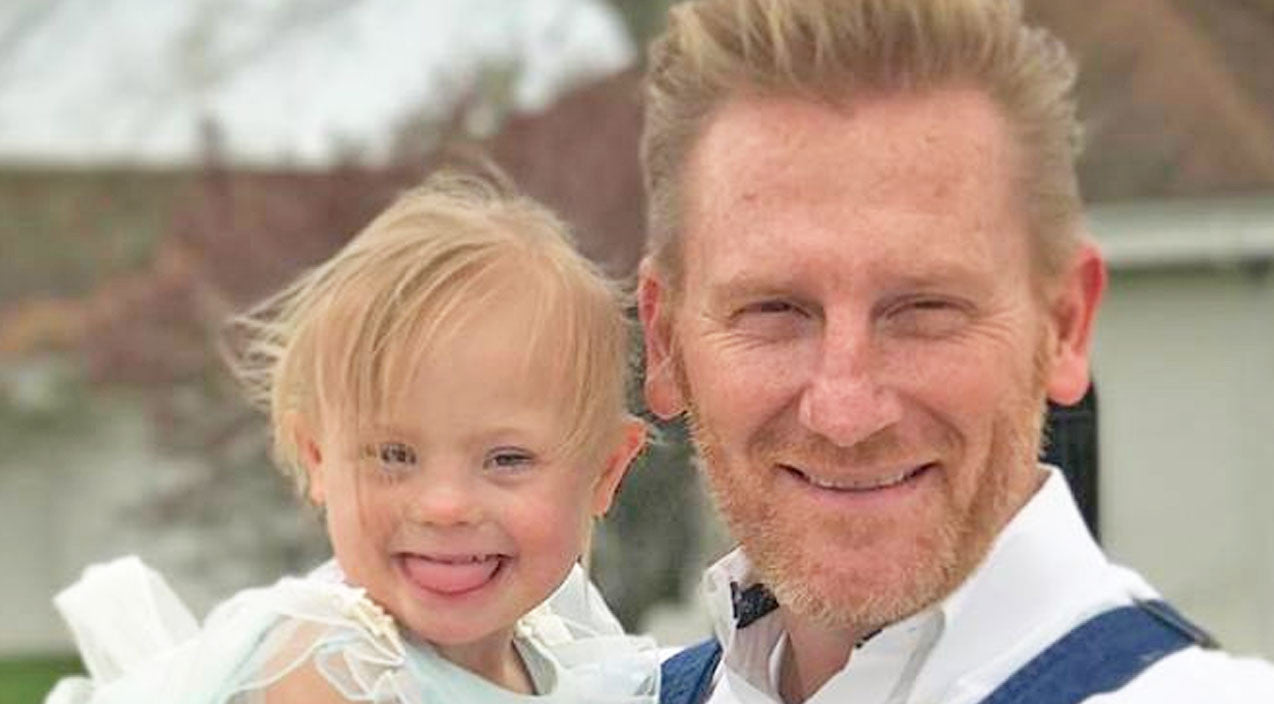 Rory feek Songs | Rory Feek Shares Sweet Video Of Indy Doing A Fashion Show In Her PJs | Country Music Videos