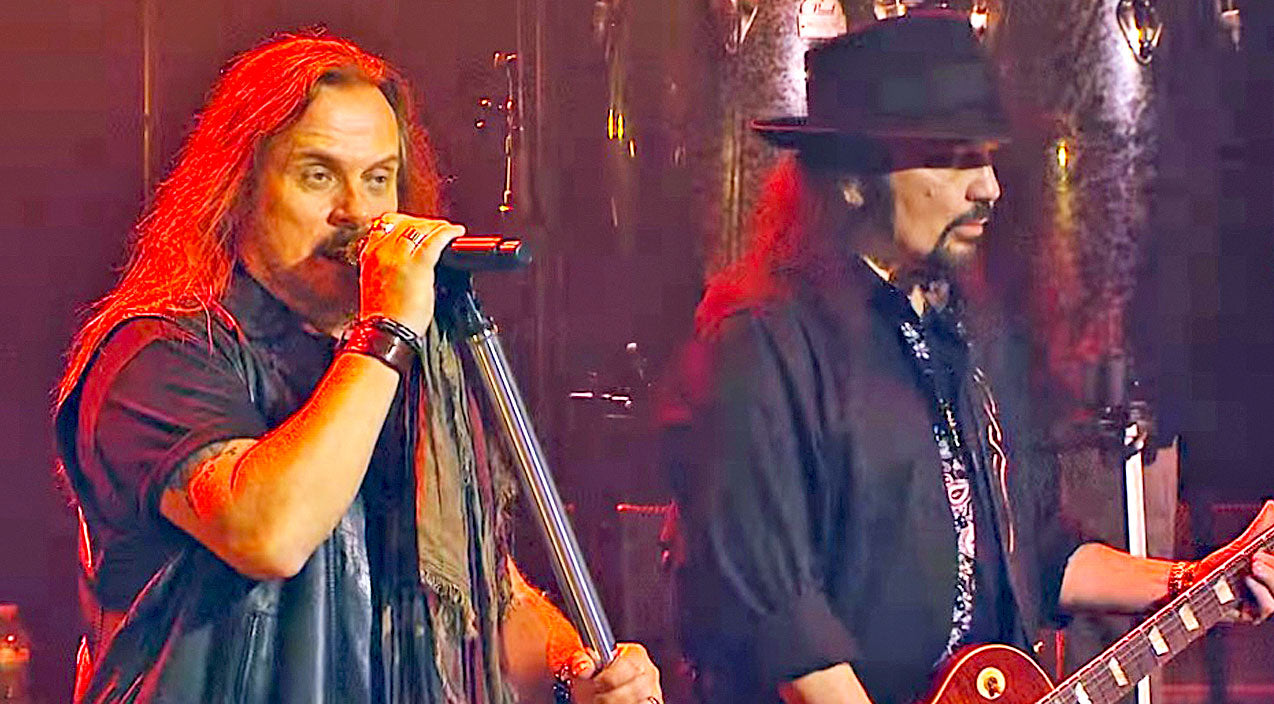 Lynyrd skynyrd Songs | Jacksonville's Shining Stars Mark Celebrated Return To Their Stomping Grounds With 'Poison Whiskey' | Country Music Videos