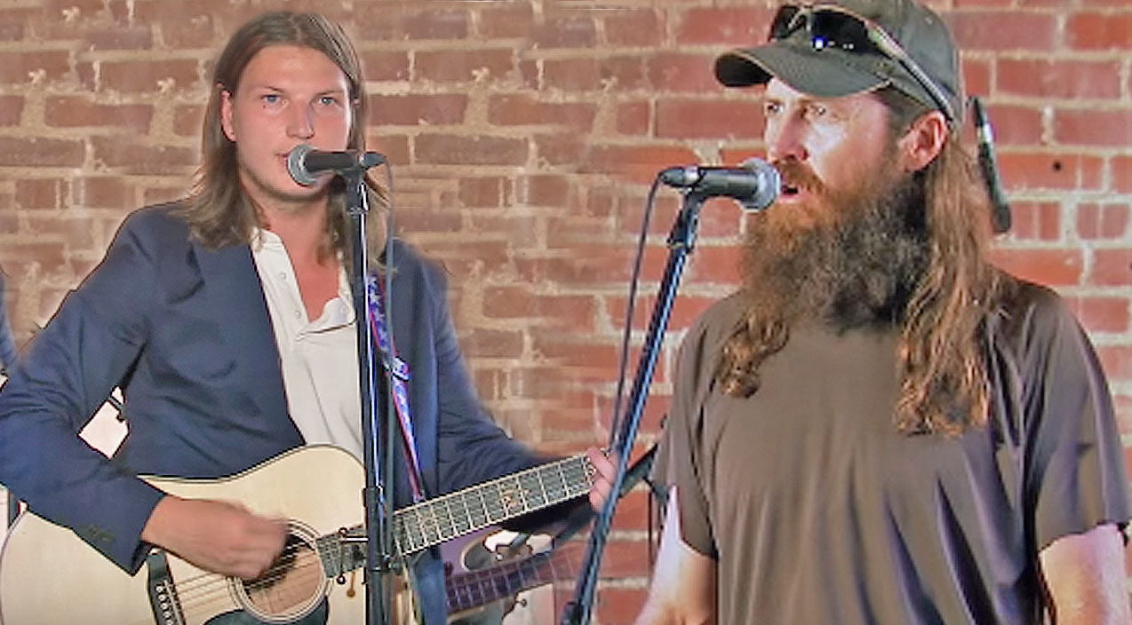 Reed robertson Songs | Jase Robertson's Son, Reed, Brings The Crowd To Tears With Moving Cover Of 'Hallelujah' | Country Music Videos