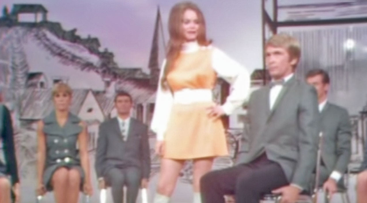 Jeannie c. riley Songs   Young Jeannie C. Riley Puts Fear In The Eyes Of The 'Harper Valley PTA'   Country Music Videos