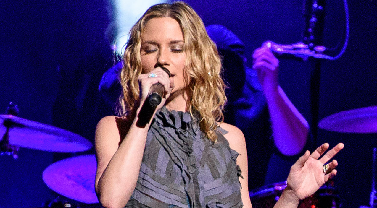 Jennifer nettles Songs | Jennifer Nettles Debuts Moving Song About The September 11th Attacks | Country Music Videos