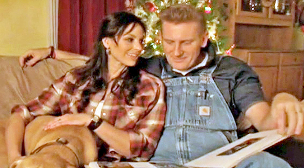 Joey + rory Songs | Joey + Rory Get Emotional In Original Song 'It's Christmas Time' | Country Music Videos