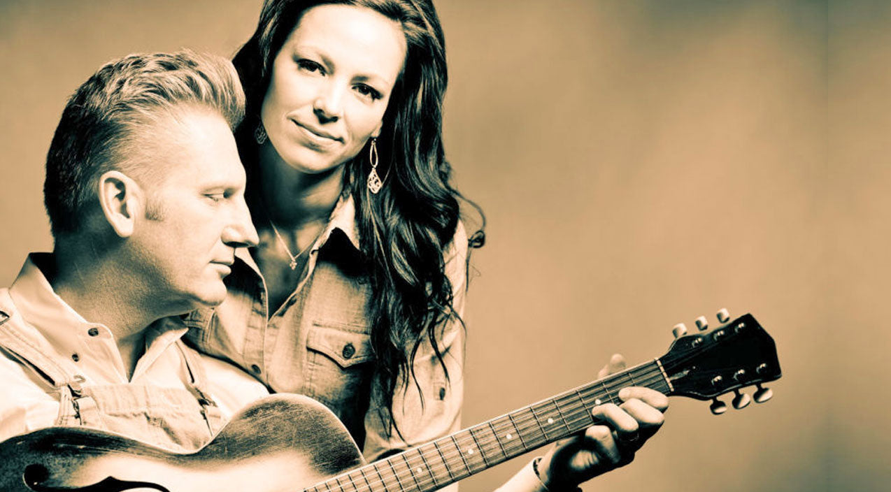 Joey + rory Songs | The Blessing Of Snowfall Brings Joey Feek To Tears As She Sings 'It Is Well With My Soul' | Country Music Videos