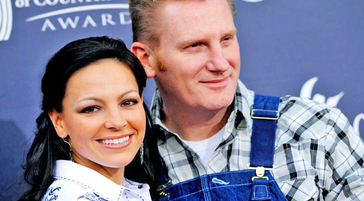 Joey+Rory Share Photo That Brings Them Peace During This Sad Time | Country Music Videos