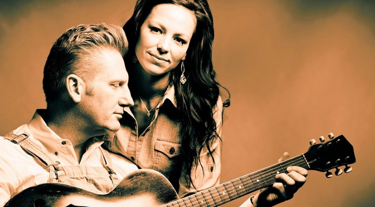 Joey + Rory Feek Need Our Prayers After Emotional Decision To Stop Cancer Treatments | Country Music Videos