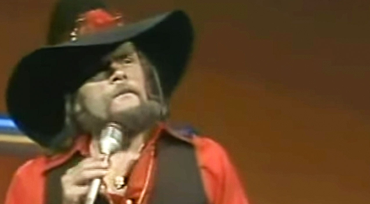 Johnny paycheck Songs | Johnny Paycheck Has Brazen Message For That Overbearing Boss In His Hit Song | Country Music Videos