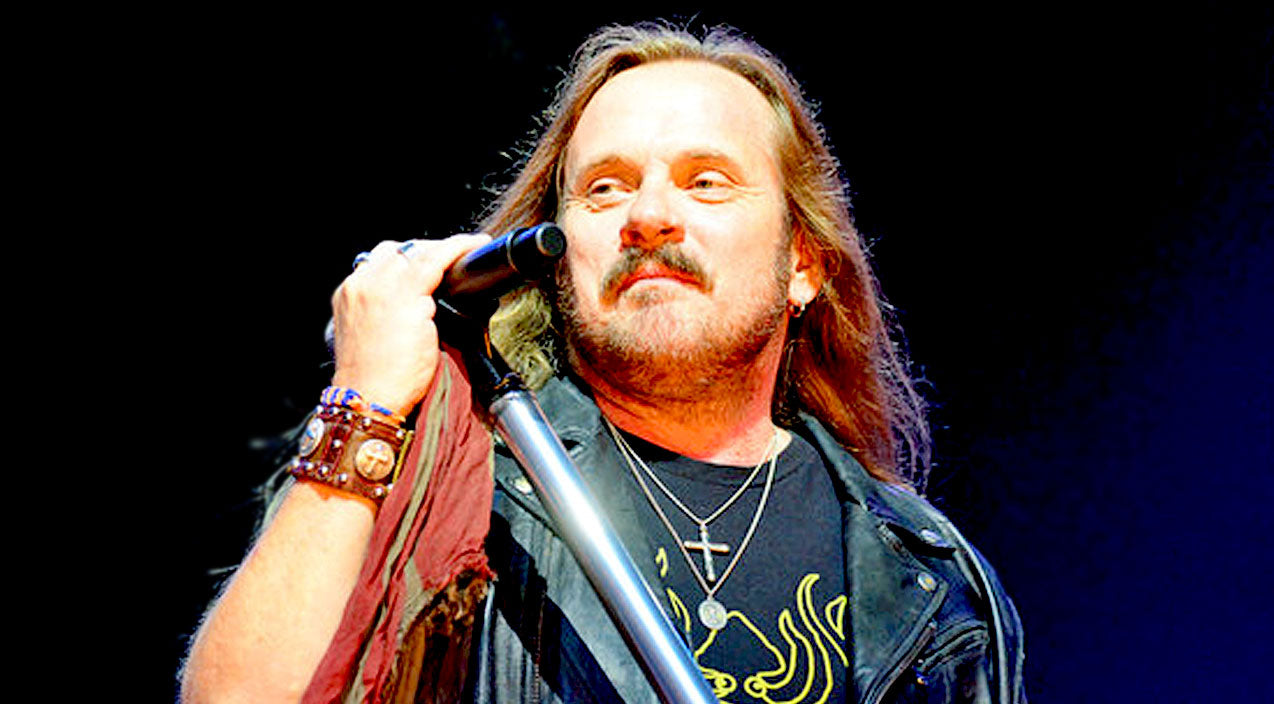 Lynyrd skynyrd Songs | Crowd Soars To Its Feet After Johnny Van Zant's Emotional Performance Of 'Brickyard Road' | Country Music Videos