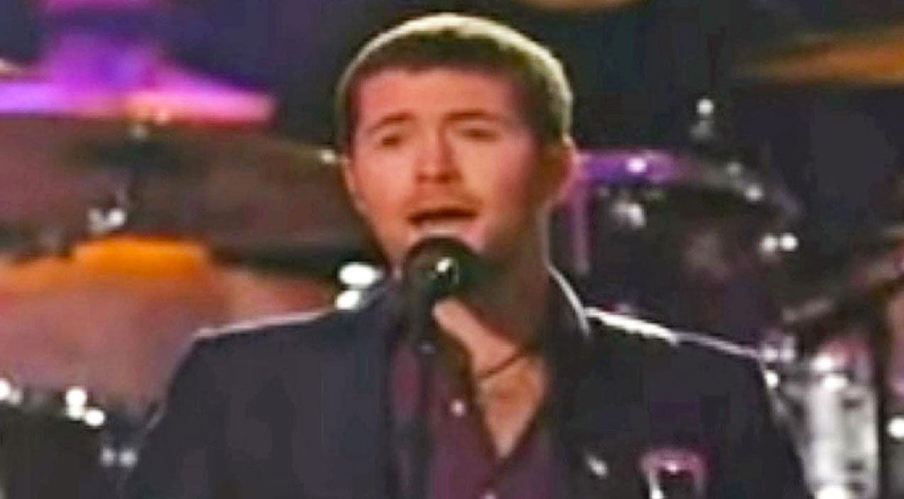 Willie nelson Songs   Josh Turner Honors Fallen Troops With Wholehearted Performance Of 'Always On My Mind'   Country Music Videos