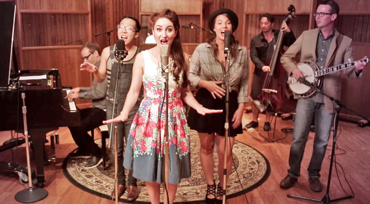 Bluegrass Band Gives Rockabilly Makeover To Justin Bieber's Hit Song | Country Music Videos