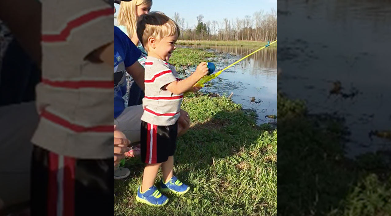 Viral content Songs   Little Boy Unexpectedly Catches Large Fish With Toy Fishing Rod   Country Music Videos