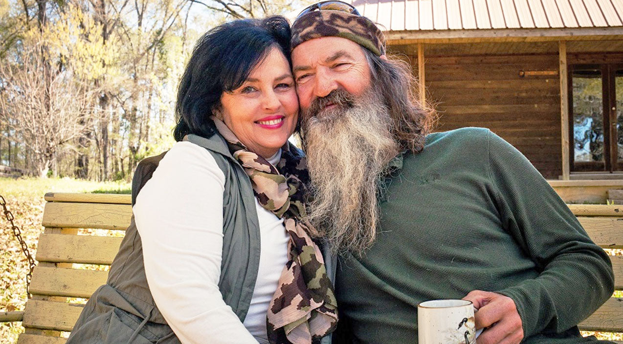 Phil robertson Songs | 52 Years Later, Phil and Kay Robertson Reveal How They Make Their Love Last | Country Music Videos