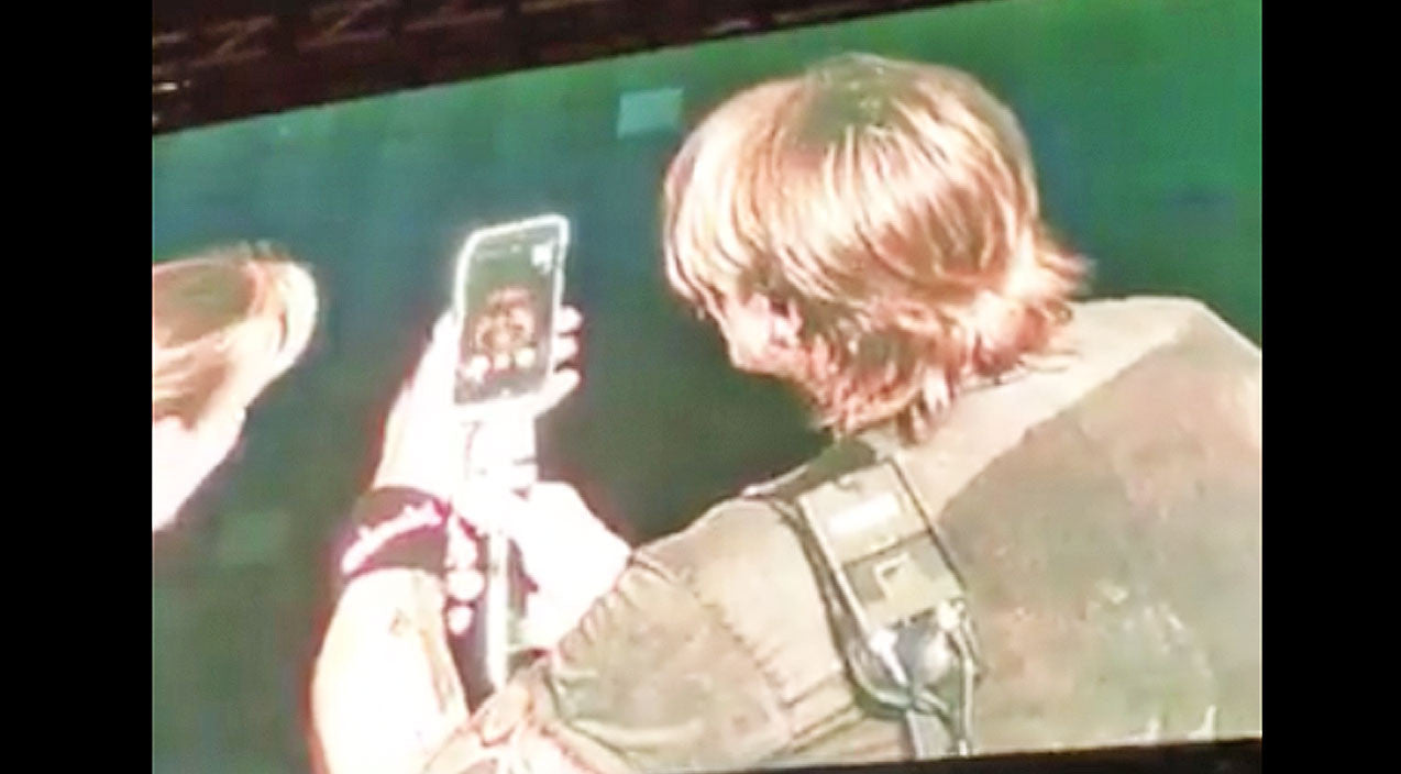 Keith urban Songs | Keith Urban Stops Mid-Concert To Surprise Unsuspecting Person With Phone Call | Country Music Videos