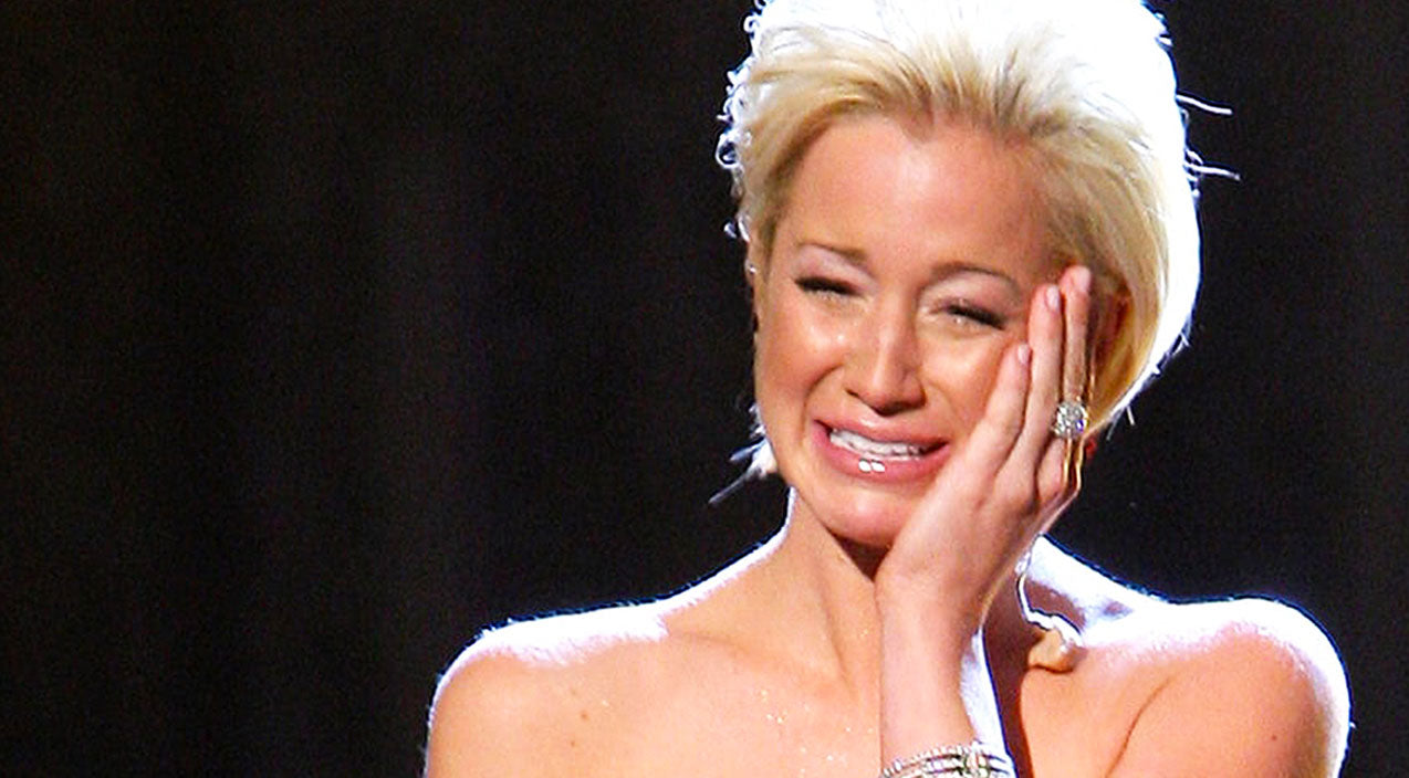 Kellie pickler Songs | Kellie Pickler Gives Heartbreaking Performance Of 'I Wonder' At CMA Awards | Country Music Videos